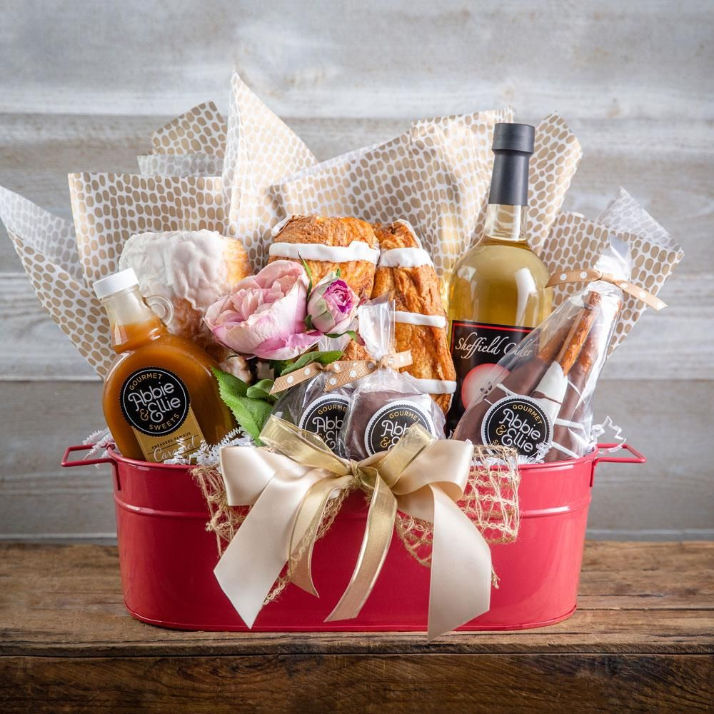 Kneaders Christmas Gift Baskets 2020 Gift Baskets – Kneaders Bakery & Cafe in 2020 | Sweets gift basket