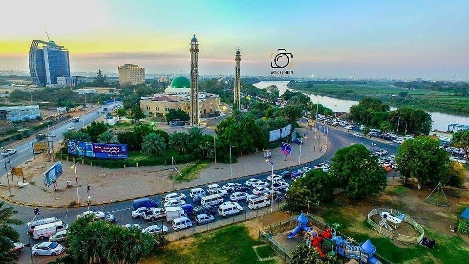 Pin By Rehab Taha On Sudan السودان Paris Skyline Paris Skyline