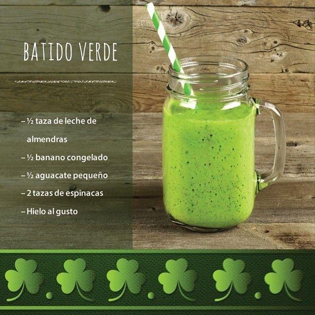¡Gracias a todos por participar! Sigan disfrutando de su Día de #SanPatricio de una manera saludable con este batido verde. Aquí les tenemos la receta #horaoster