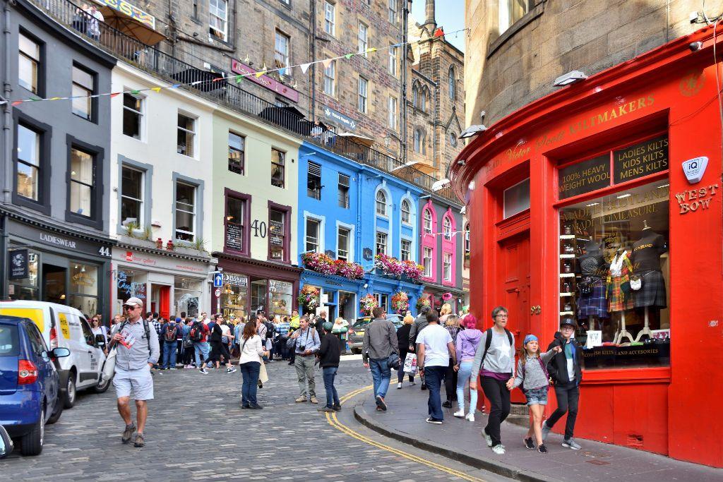 A Harry Potter Shop Has Just Opened On Edinburgh S Diagon Alley Harry Potter Tour Edinburgh Diagon Alley