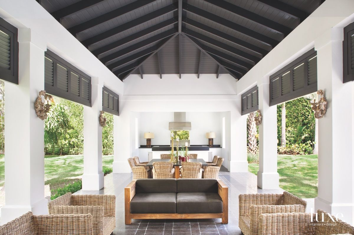 3 South Florida Spaces That Bring The Outdoors In Luxe Interiors Design In 2020 Living Room Decor Traditional Luxe Interiors Luxury Kitchen Design