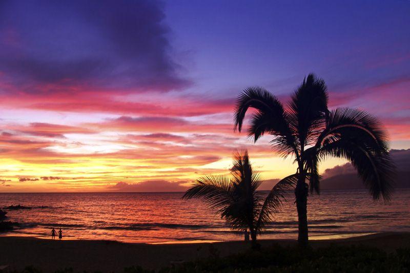 Hawaiian sunset on beach in Maui