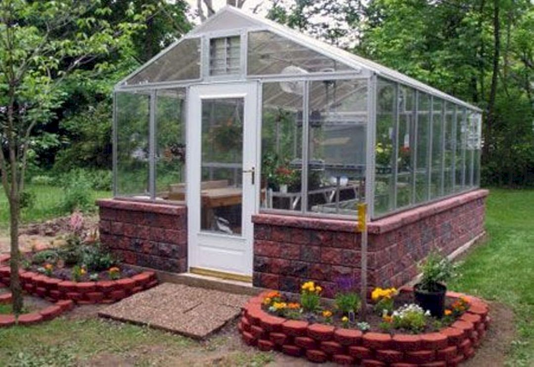 30 Beautiful Backyard Garden Design With Small Greenhouse ...