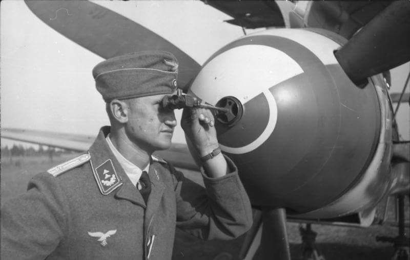 checking calibration of the 20 mm canon in a BF109F-2 or 109F-4.