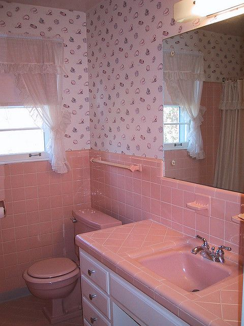 Diy 1960 S Pink Tile Bath Before Shot Pink Bathroom Pink