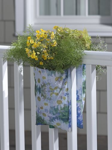 Patioart Railing Pouch Planter You Can Do This Just Think Simple