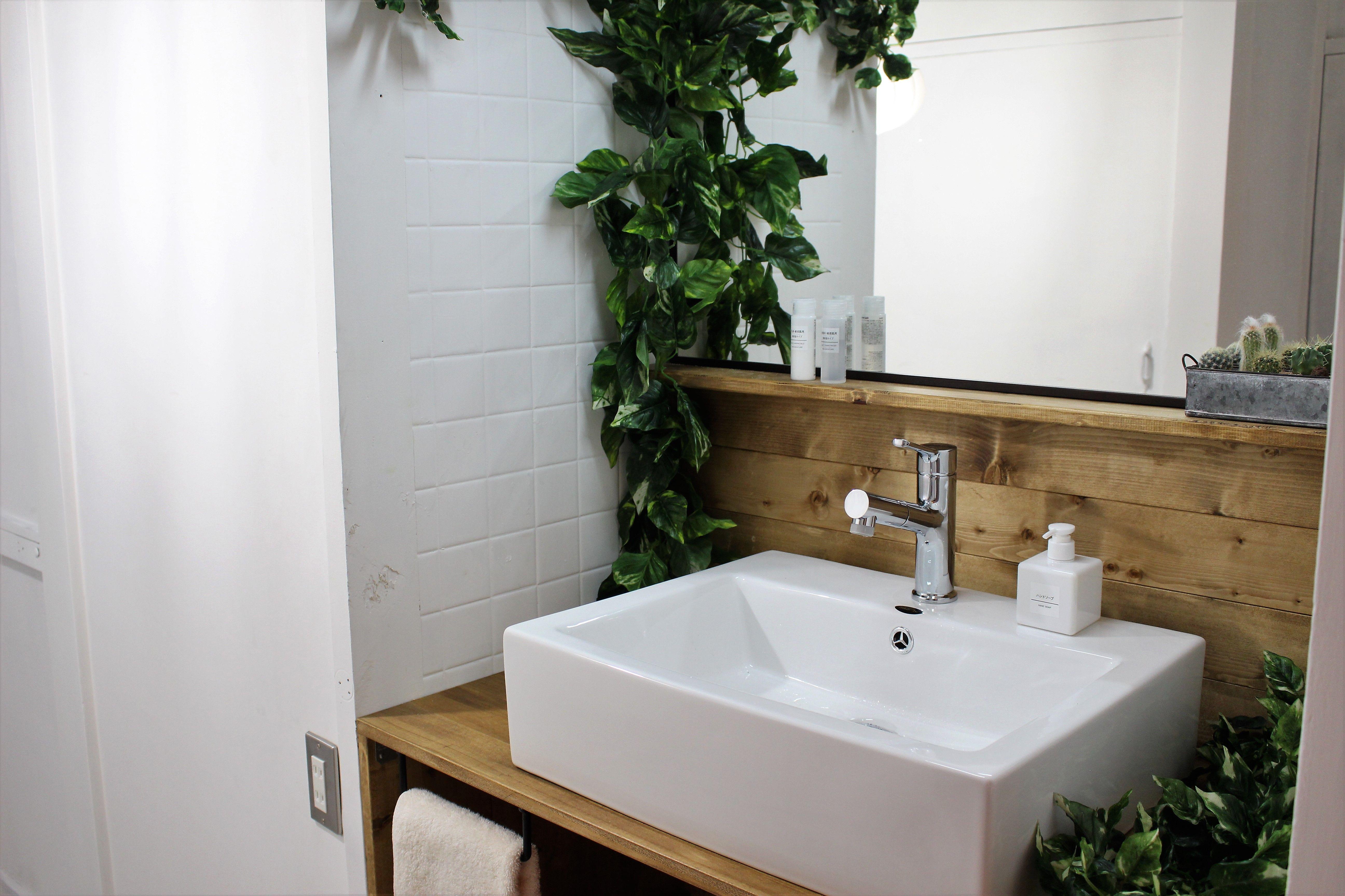 Diyで洗面化粧台を交換 洗面ボウルでおしゃれな洗面台を自作して洗面所をリフォーム 無印良品アイテムで統一 洗面化粧台 洗面ボウル 洗面