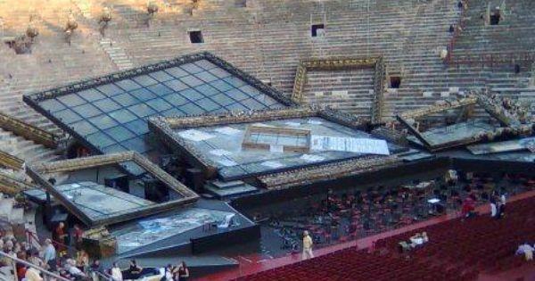 Scenografia Traviata - Scenografia Traviata in Arena --- #Theaterkompass #Theater #Theatre #Schauspiel #Tanztheater #Ballett #Oper #Musiktheater #Bühnenbau #Bühnenbild #Scénographie #Bühne #Stage #Set
