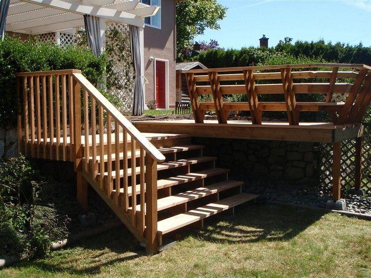 holztreppe führt von der terrasse zum garten | garden stairs, Terrassen deko