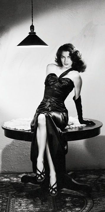 Ava Gardner as 'Kitty Collins' - 1946 - The Killers - Directed by Robert Siodmak - @~ Mlle