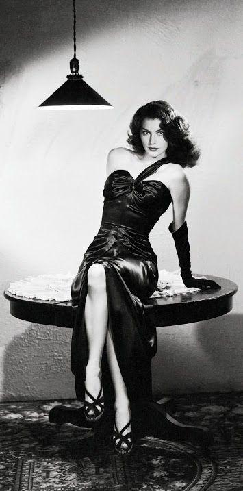 Ava Gardner, in Vera West - 1946 - The Killers