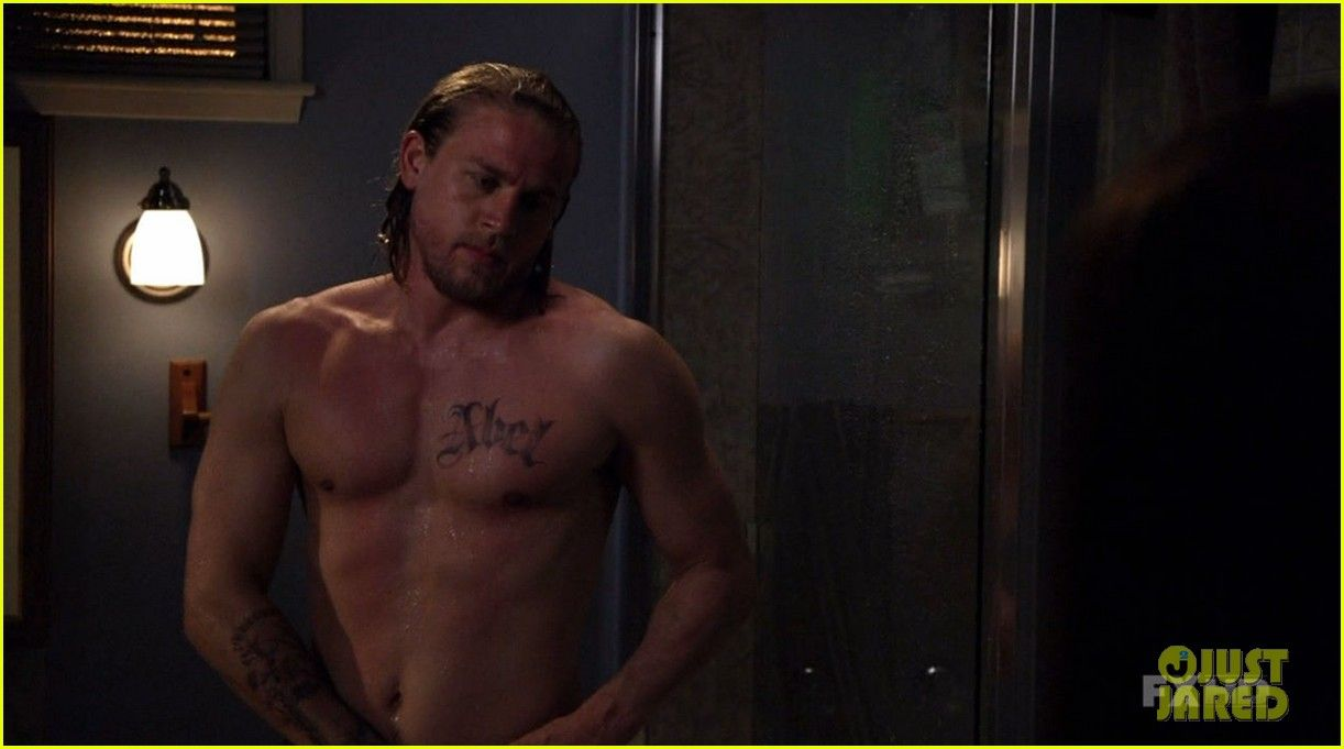 Here Are Charlie Hunnam's Hottest 'Sons of Anarchy' Nude & Shirtless  Moments Through the Years!