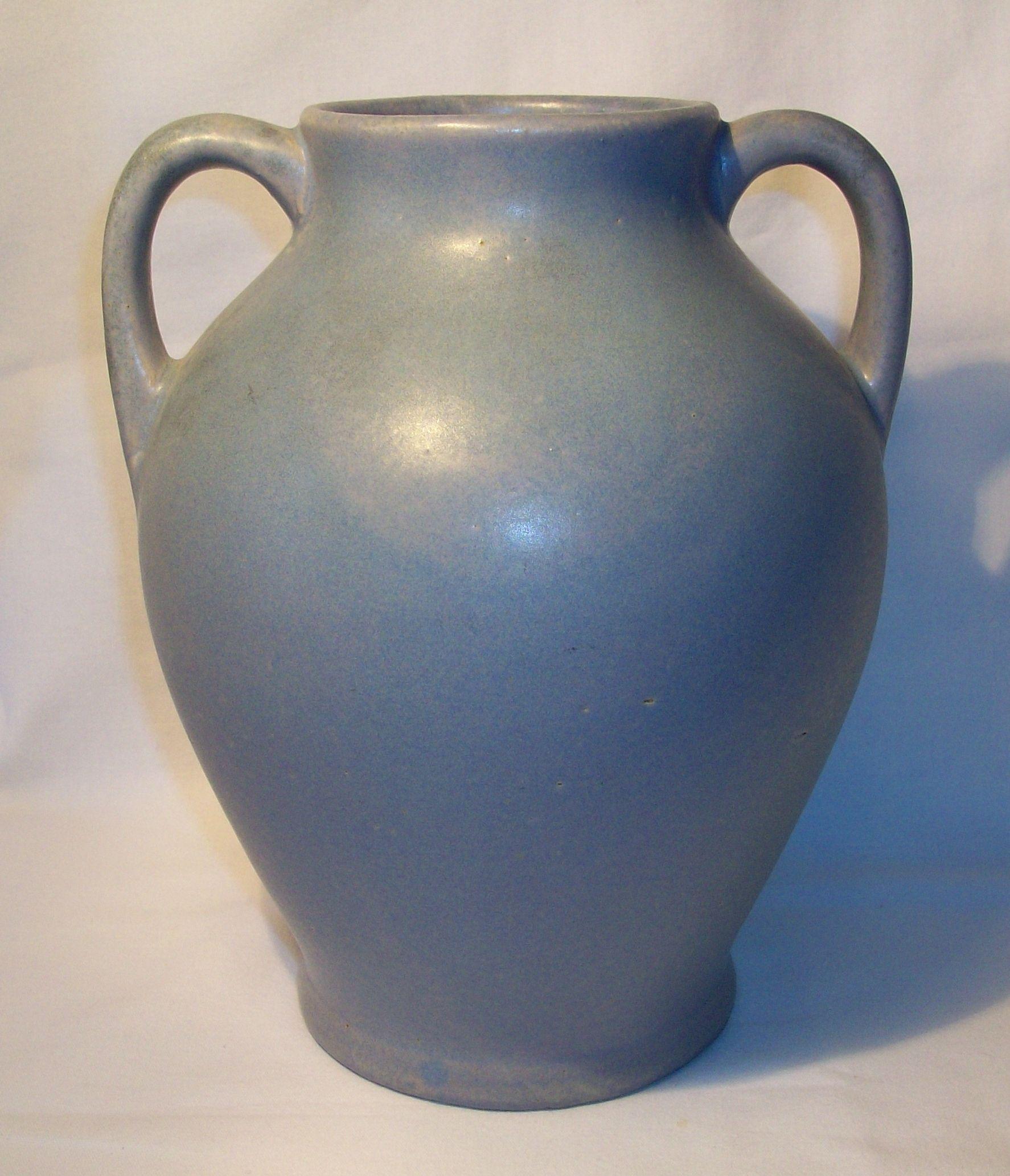 Vintage zanesville stoneware two handled vase vintage pottery vintage zanesville stoneware two handled vase reviewsmspy