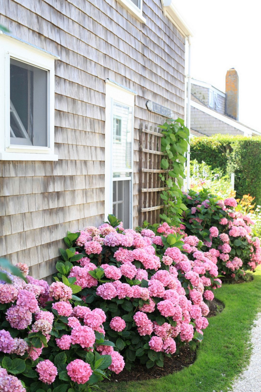 Astounding 35 incredible flower beds ideas to make your