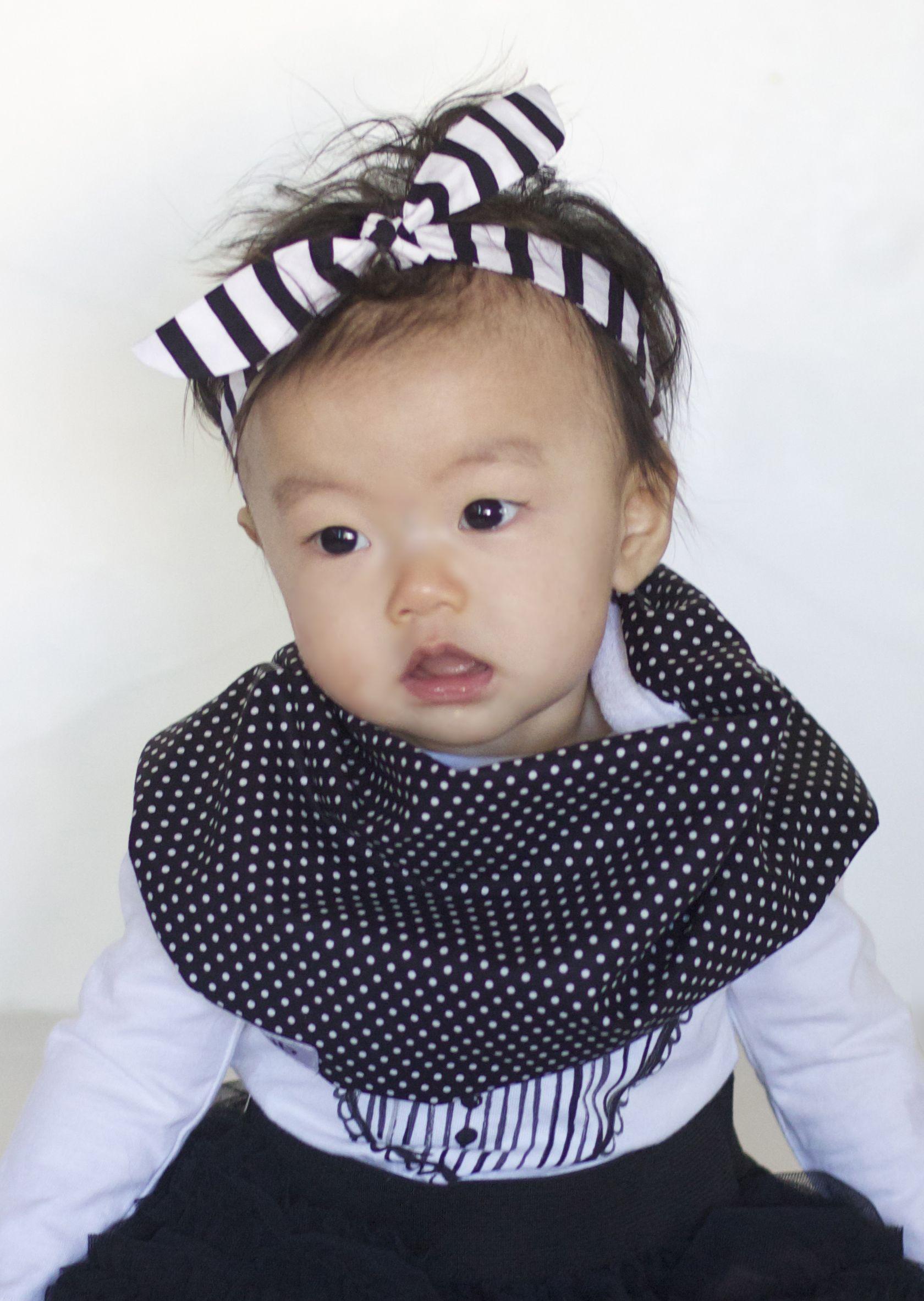 Scabib's Black & White Stripe Retro Hair Tie Scabib.com