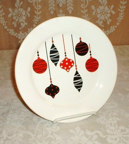 Christmas sharpie plates #sharpieplates Another Sharpie project. #sharpieplates