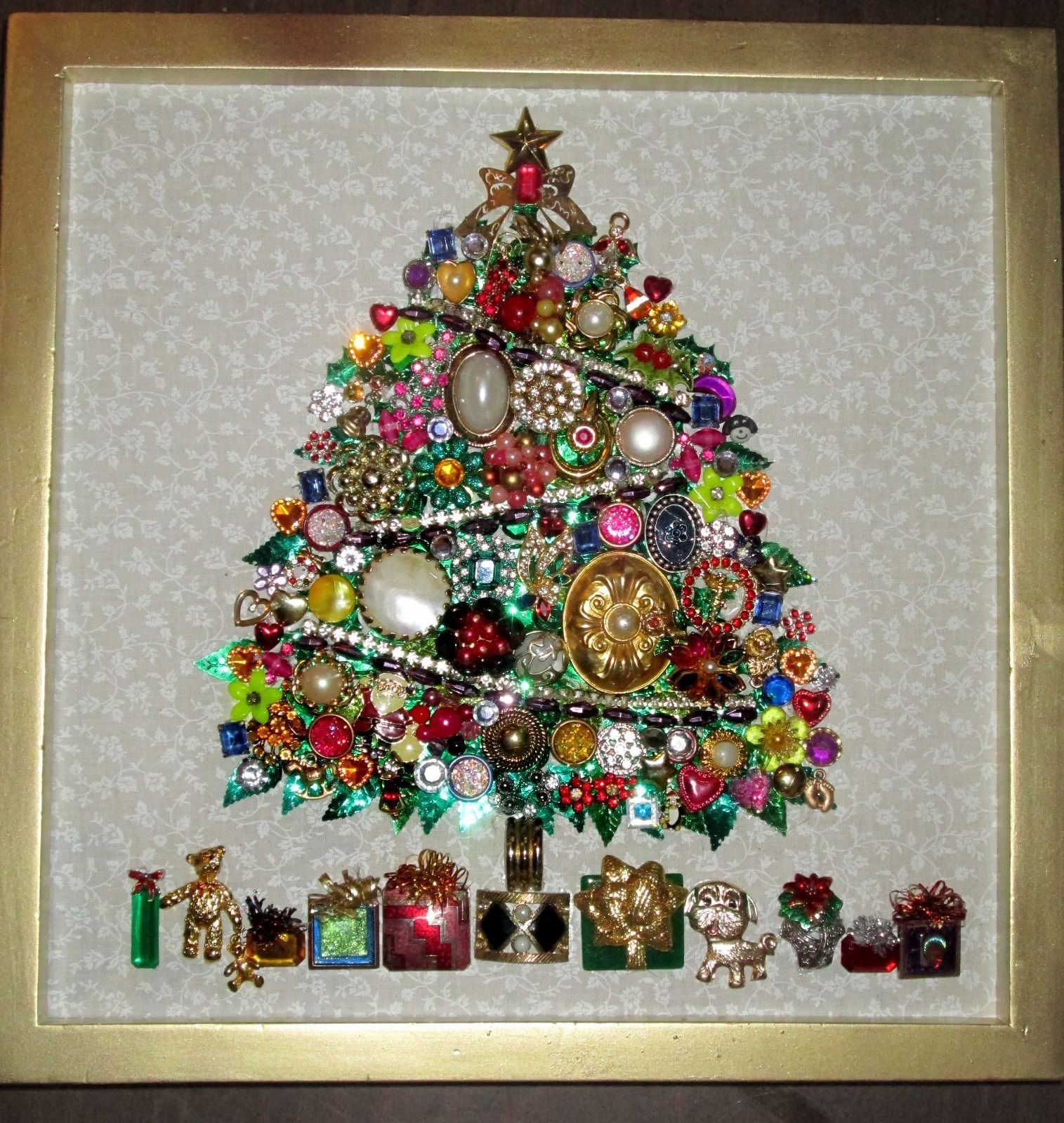 Ebay Us 125 00 New In Collectibles Holiday Seasonal Christmas Modern 1946 90 Jewelry Christmas Tree Old Jewelry Crafts Jeweled Christmas Trees