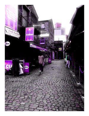 purple city crowd street picture