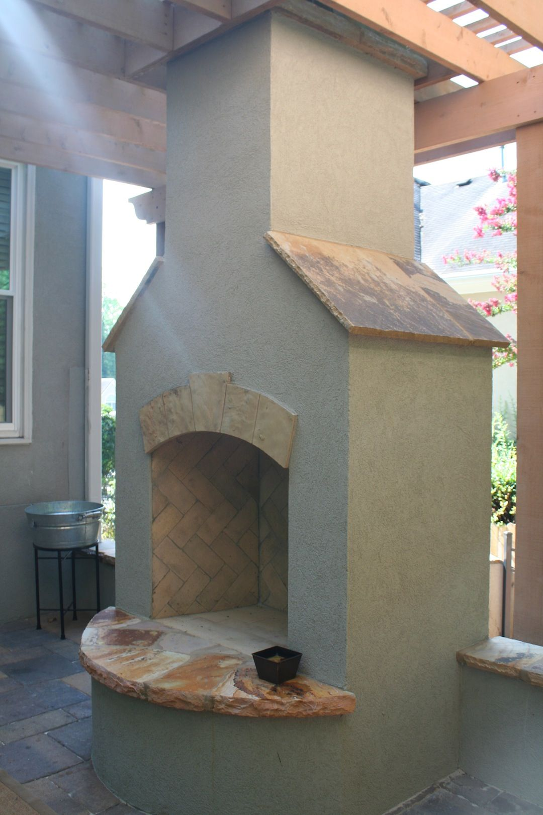 Stucco fireplace with flagstone accents fireplaces and firepits stucco fireplace with flagstone accents stucco fireplacediy solutioingenieria Choice Image