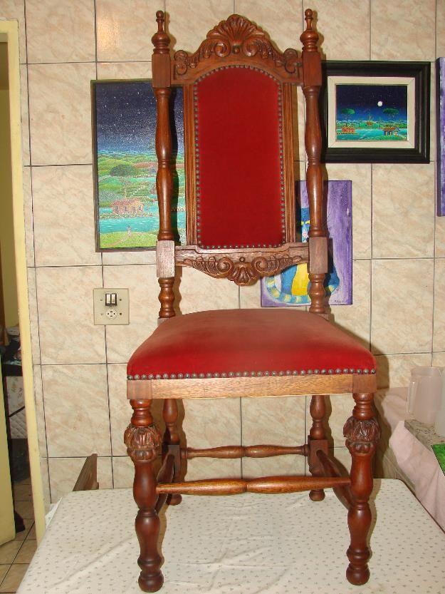 cadeira antiga em madeira entalhada e torneada