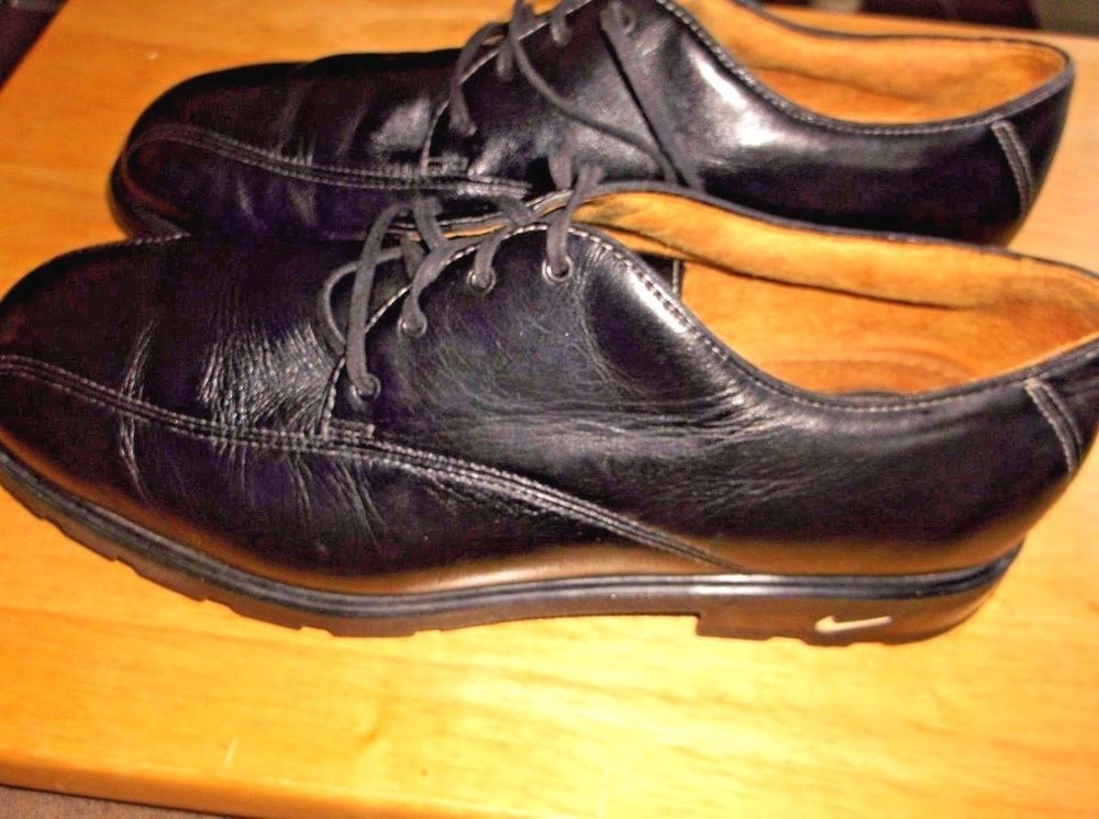 Tiger Woods Nike Golf Shoes Size 8.5 M