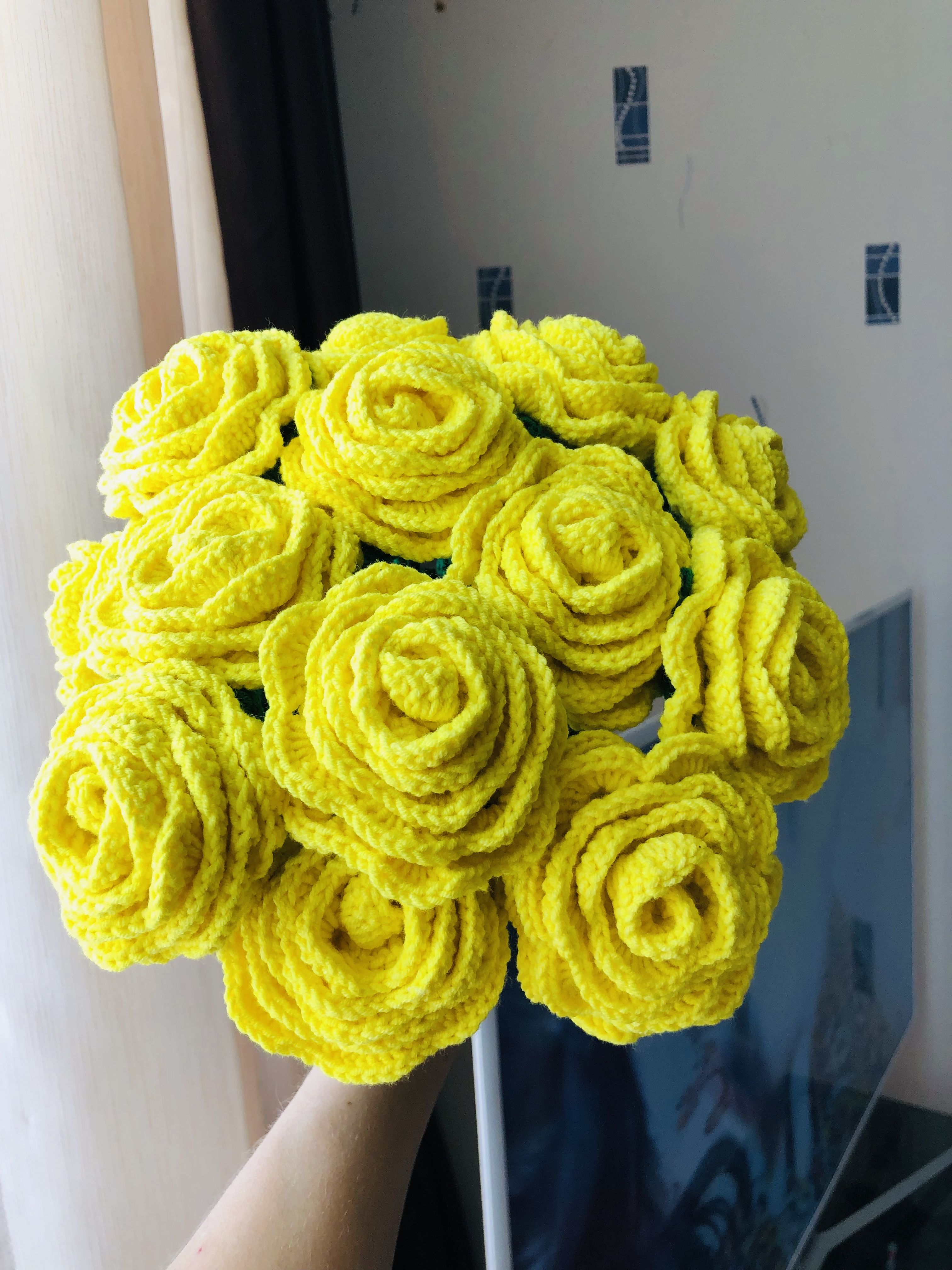 Handmade roses bouquet knitted beautiful flowers gift to