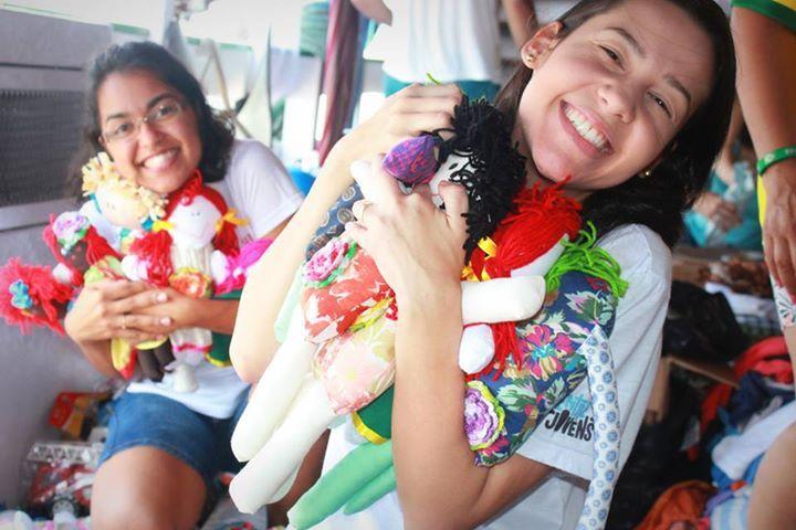 Até o missionários ficaram encantados com nossas Bonecas de Pano que enviamos para as crianças do Amazonas  Dolls for donation