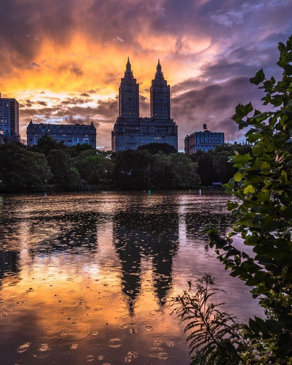 Central Park Apartments New York: San Remo Apartments, Central Park West, NYC By @craigsbeds