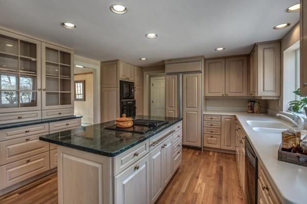 1674 Monument St Concord Ma 01742 Mlsid 71966207 Boston Real Estate Real Estate Search Kitchen