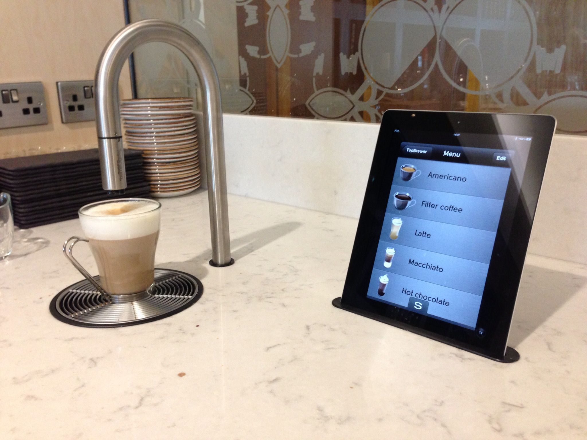 The Scanomat TopBrewer, The Worlds First IPhone/iPad Controlled  Professional Coffee System. Now Nice Ideas