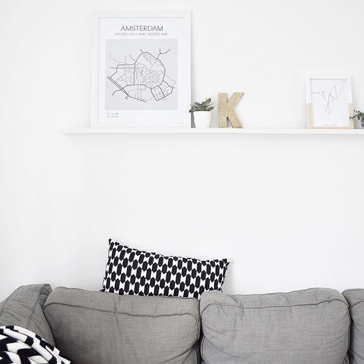 """  K e l l y   op Instagram: """"Heel erg blij met de mooie """"Amsterdam"""" poster van @emi.frl  hij past perfect in ons huis . Thanks voor de moeite van t op maat maken @eminke  Ik heb gekozen voor Amsterdam, maar ze heeft nogmeer mooie posters van provincies en steden """""""