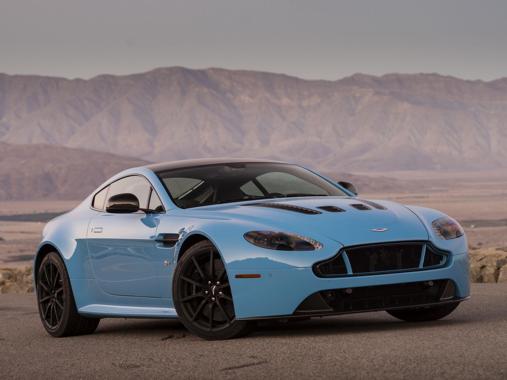 Aston Martin Vantage Is A Gorgeous Extra Luxury Extra Stylish Two - Aston martin two door