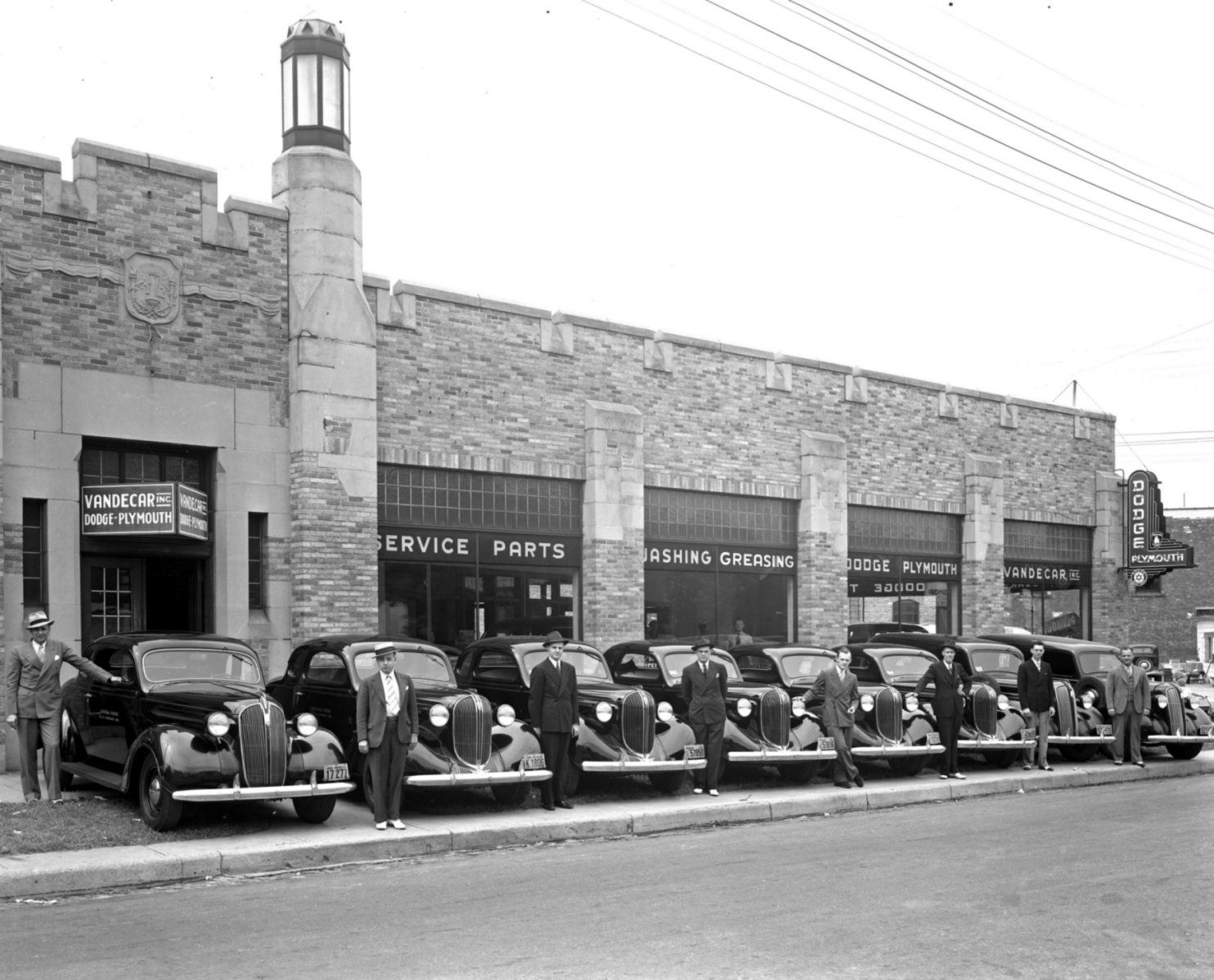 the vandecar dodge plymouth dealership at 1528 lake drive se in grand rapids michigan 1938. Black Bedroom Furniture Sets. Home Design Ideas