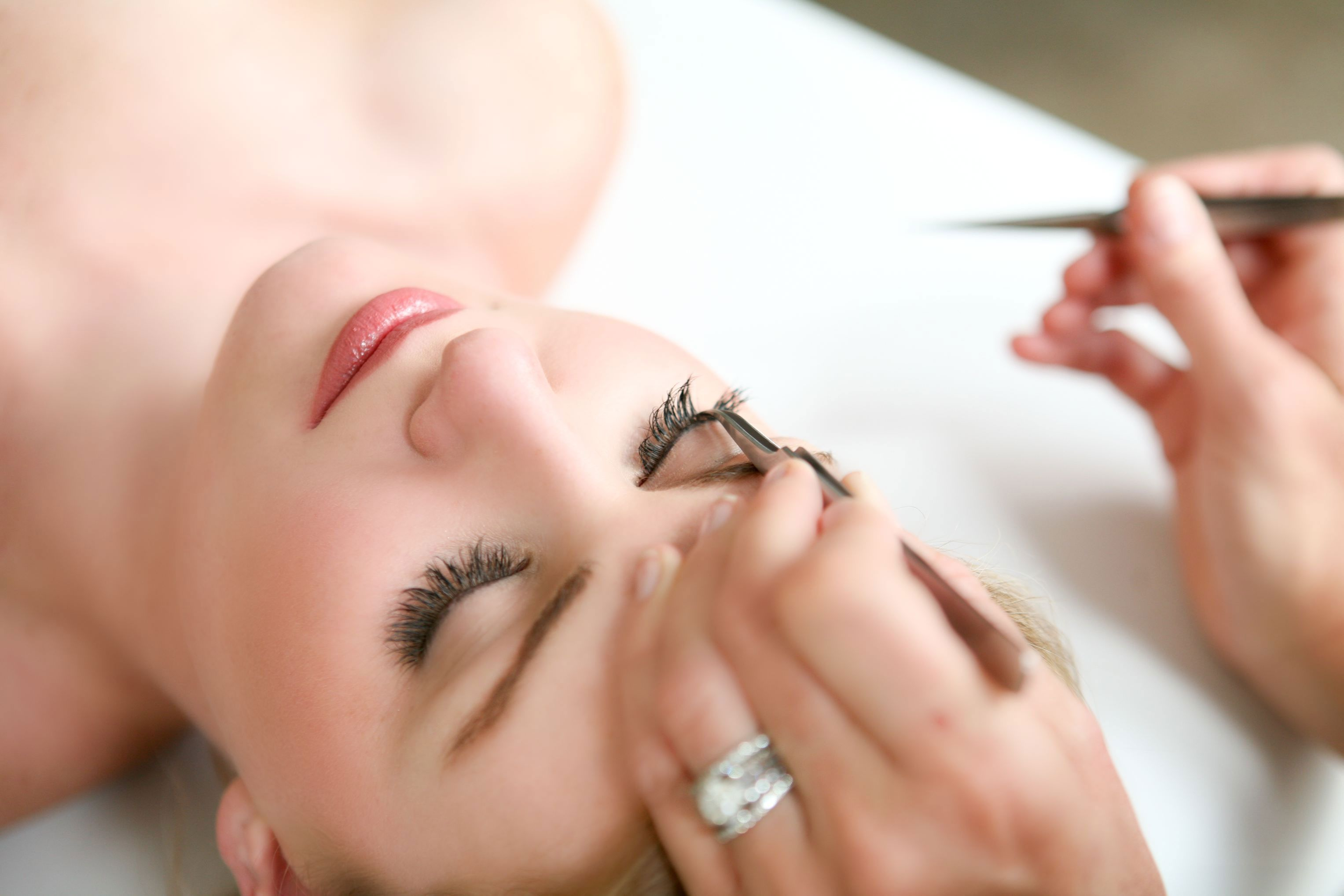 Report: Eyelash Extensions May Be Ruining Your Lashes