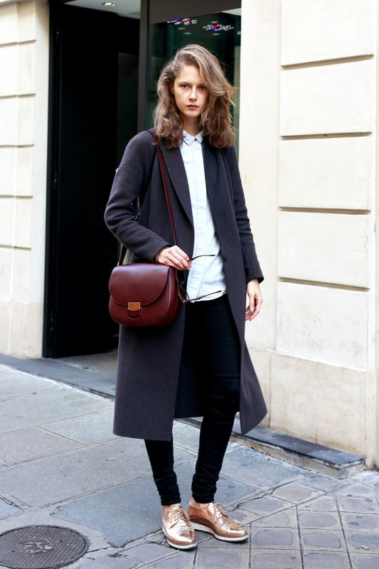 パリジェンヌがお手本 最旬ロングコートの着こなしスナップ Vogue Girl ファッション ファッションスタイル パリジェンヌファッション