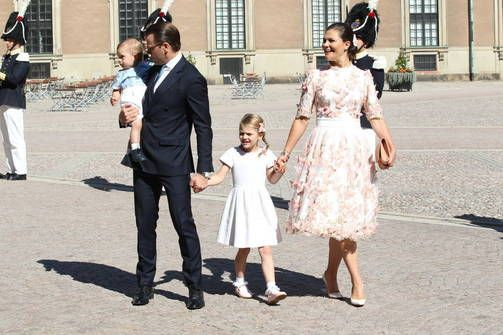 Victoria with prince Daniel and children Estelle and Oscar on the royal palace yard on her 40-year birthday, July 14, 2017