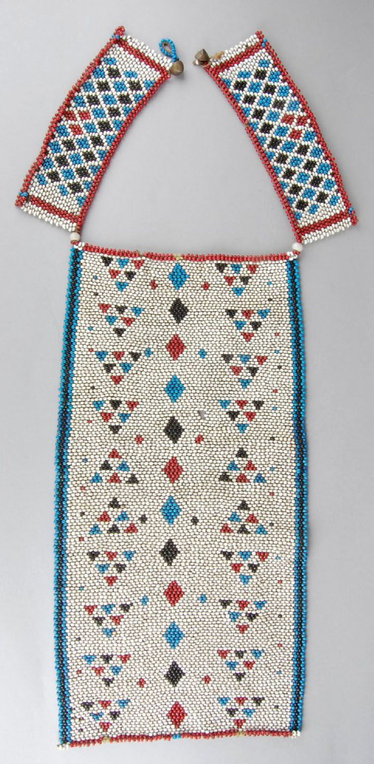 South Africa | Necklet from the Zulu people | Beadwork | ca. 1954 or earlier