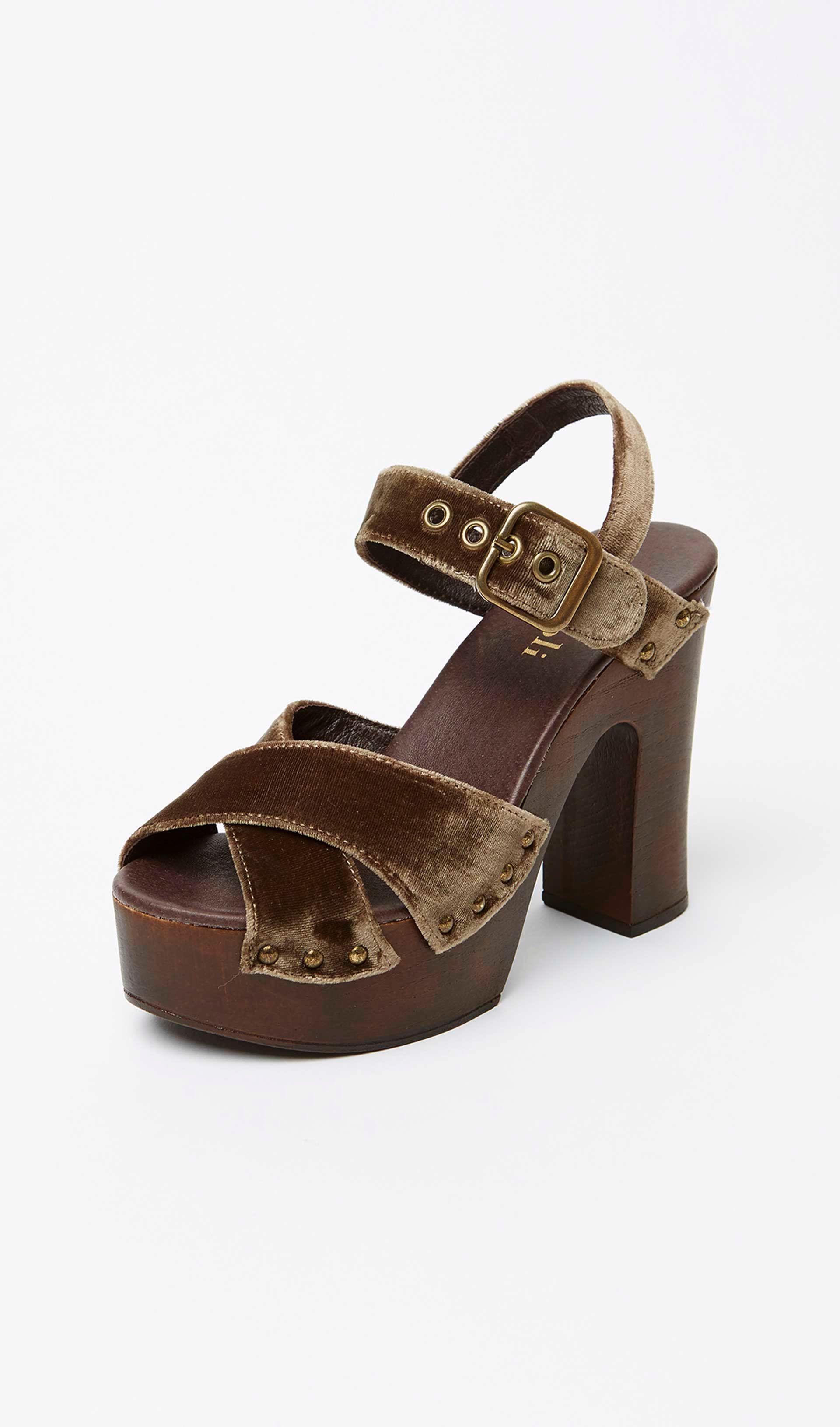 da6c56ec1 Zapatos para Chica en la Tienda Online de Nícoli Nicoli 1710529 Maxi ...