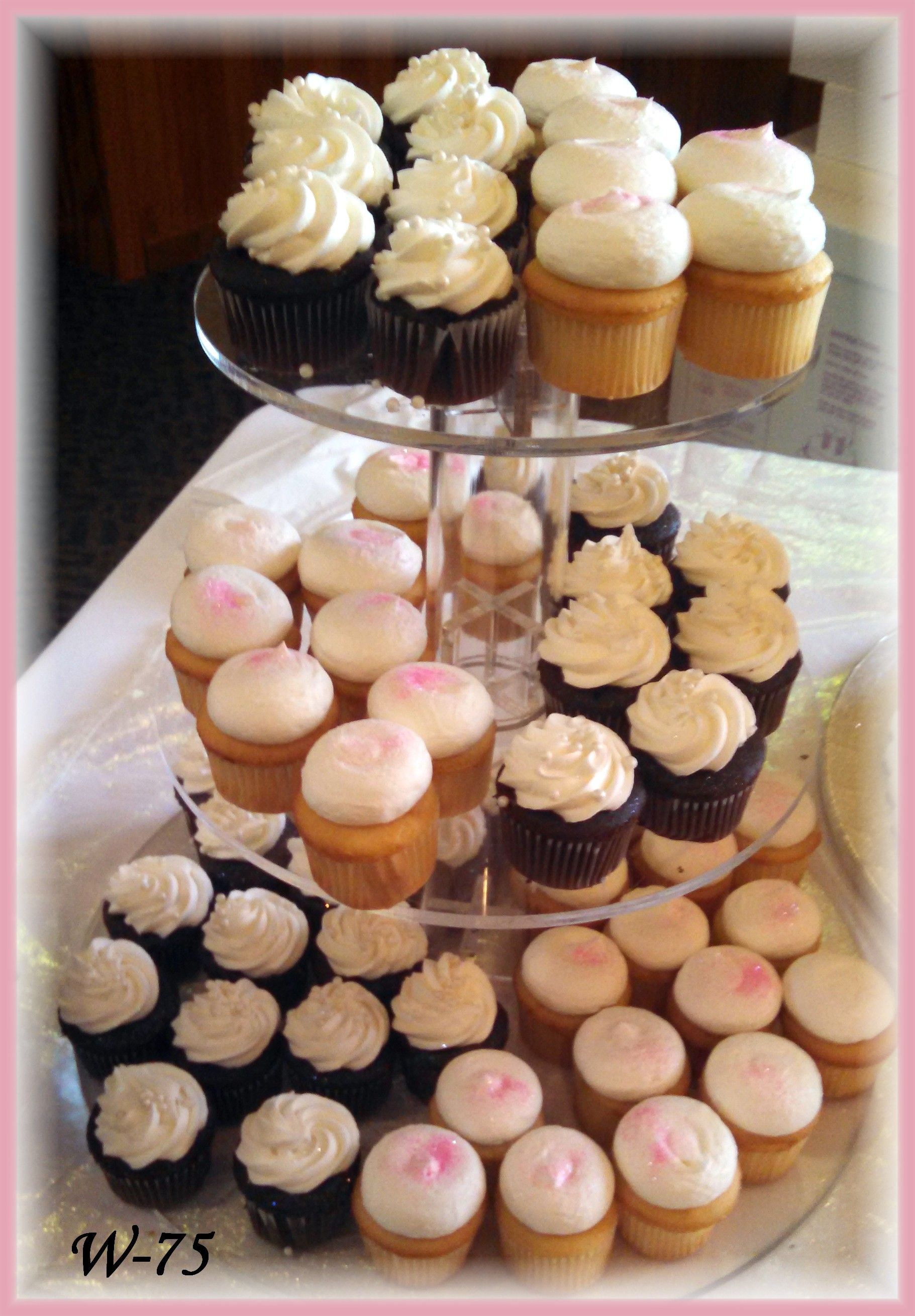 Mini Wedding Cupcakes With Pearls And Glitter By Rush City Bakery