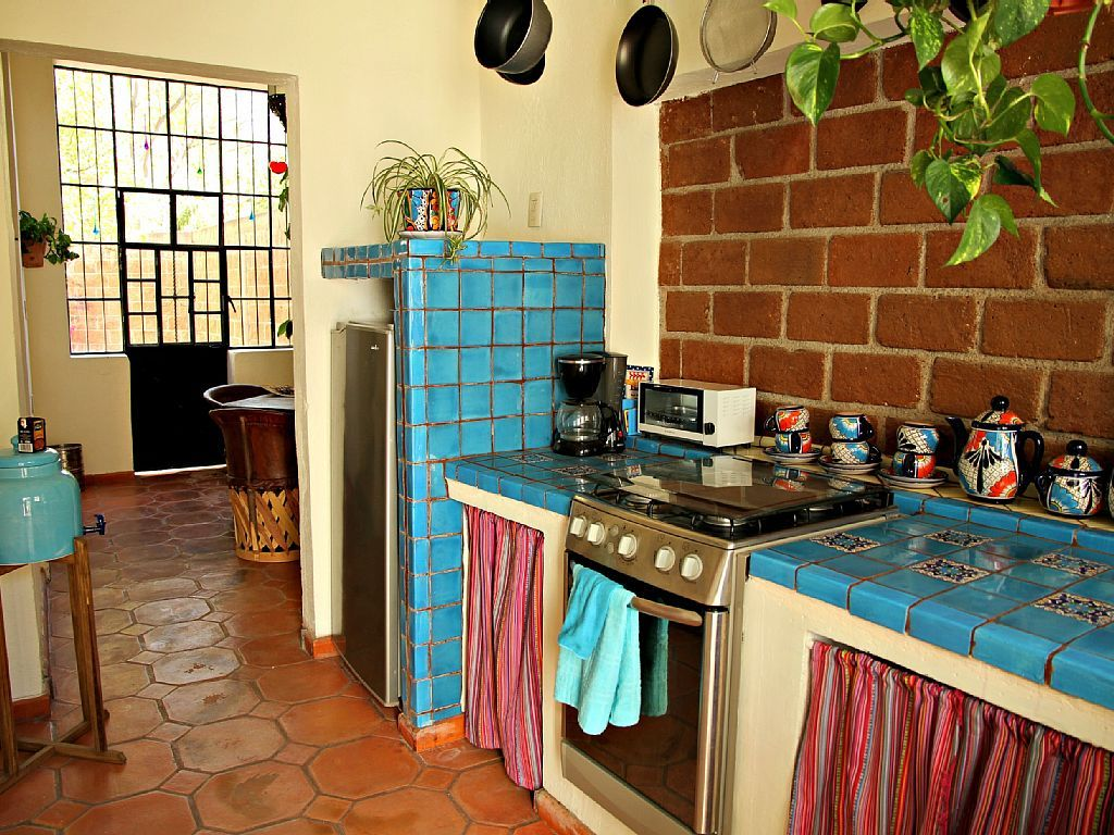 Traditional Mexican Kitchen Decor (1024×768)