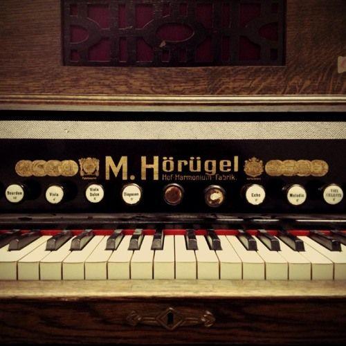 The Löwenherz Harmonium  Free virtual instrument for Ableton