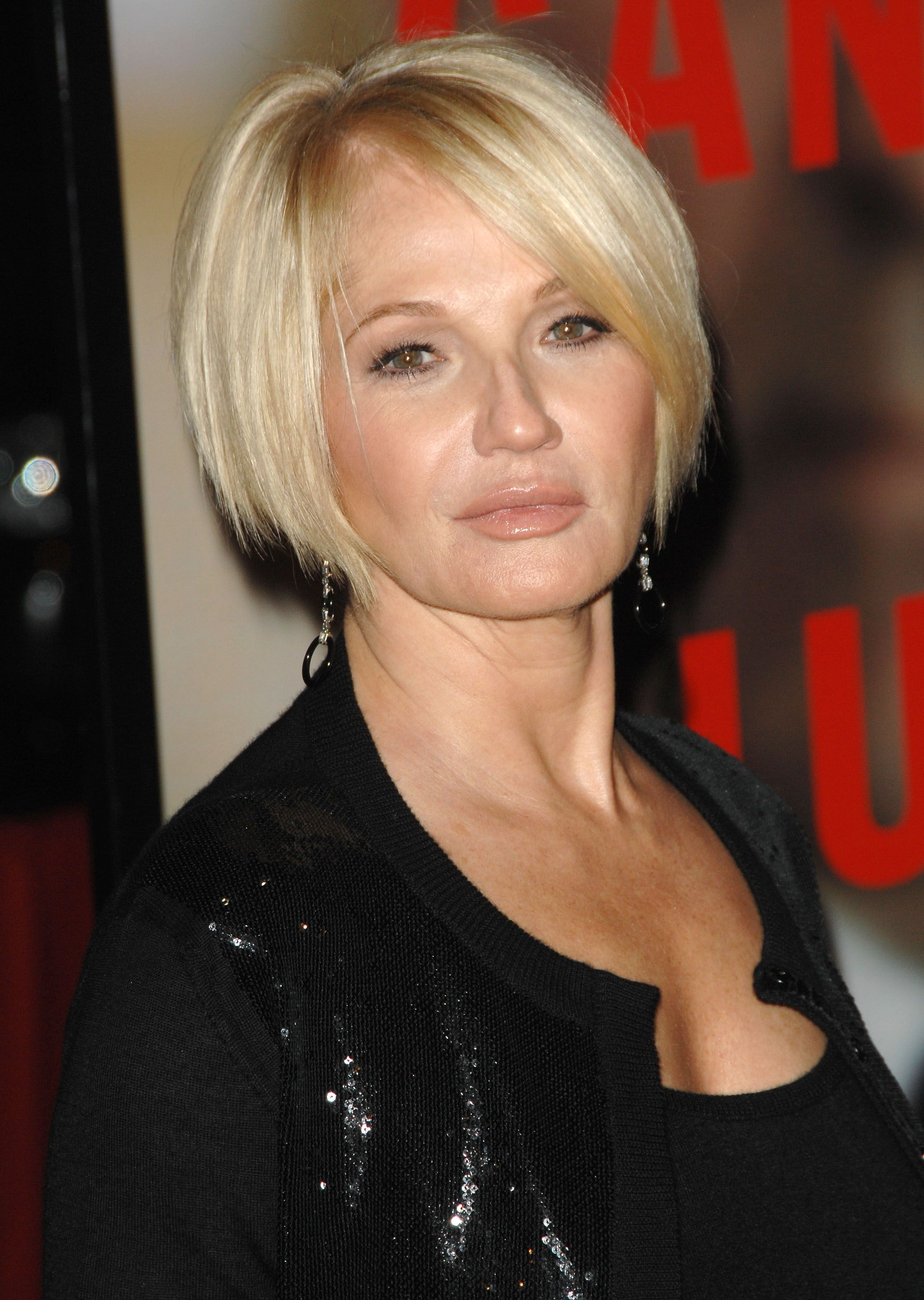 Ellen Barkin Hospitalized After Choking On Her Lunch Hairstyles