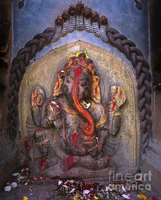 Lord Ganesha in Nepal   GAURI PUTRA VIGHNAHARTA 《 VINAYAKA
