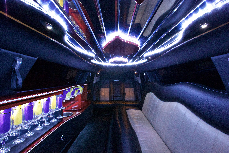 10 Pax Chrysler 300 Interior Detroit Mi Satisfaction