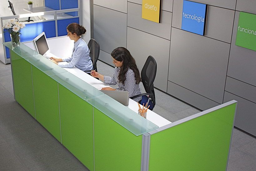 Recepci n l nea cristal muebles para oficina for Recepcion oficina moderna