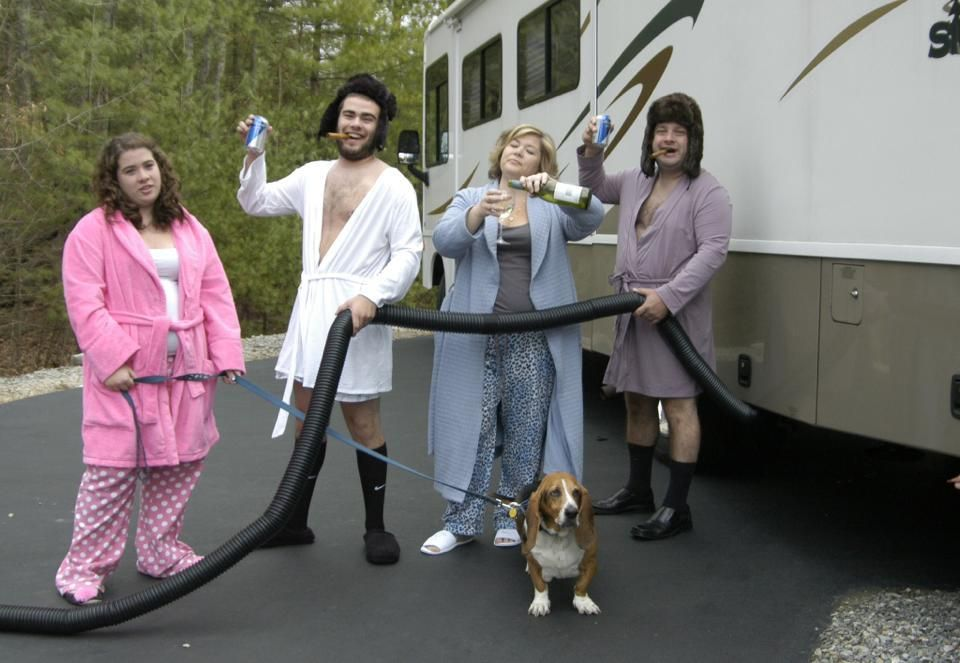White Trash Christmas Party Ideas Part - 50: National Lampoonu0027s Christmas Vacation Costume... White Trash Party Family  Http://