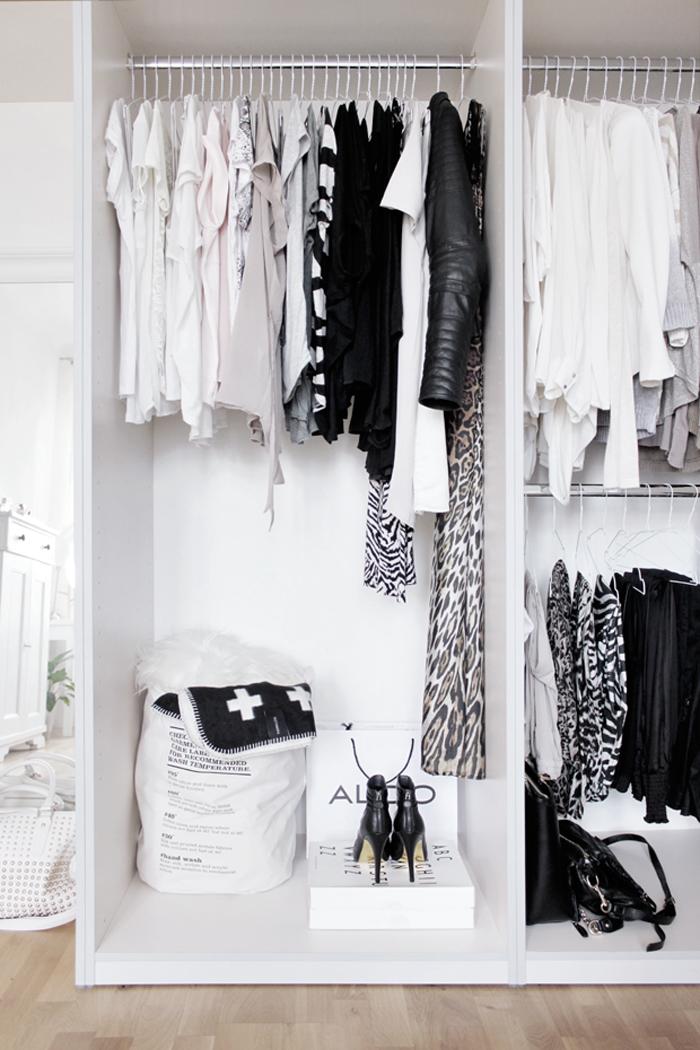 Elegant Wei Kleiderschrank Offene Kleiderschrank Im Schlafzimmer