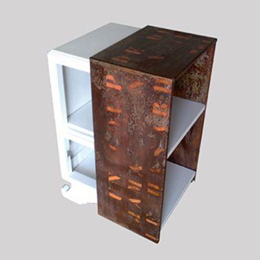Chevet en chêne peint et métal rouillé Meubles \ - vernir un meuble peint