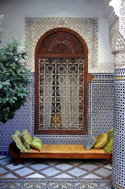 Courtyard 30 Moroccan Inspired Tiles Looks For Your Interior Digsdigs