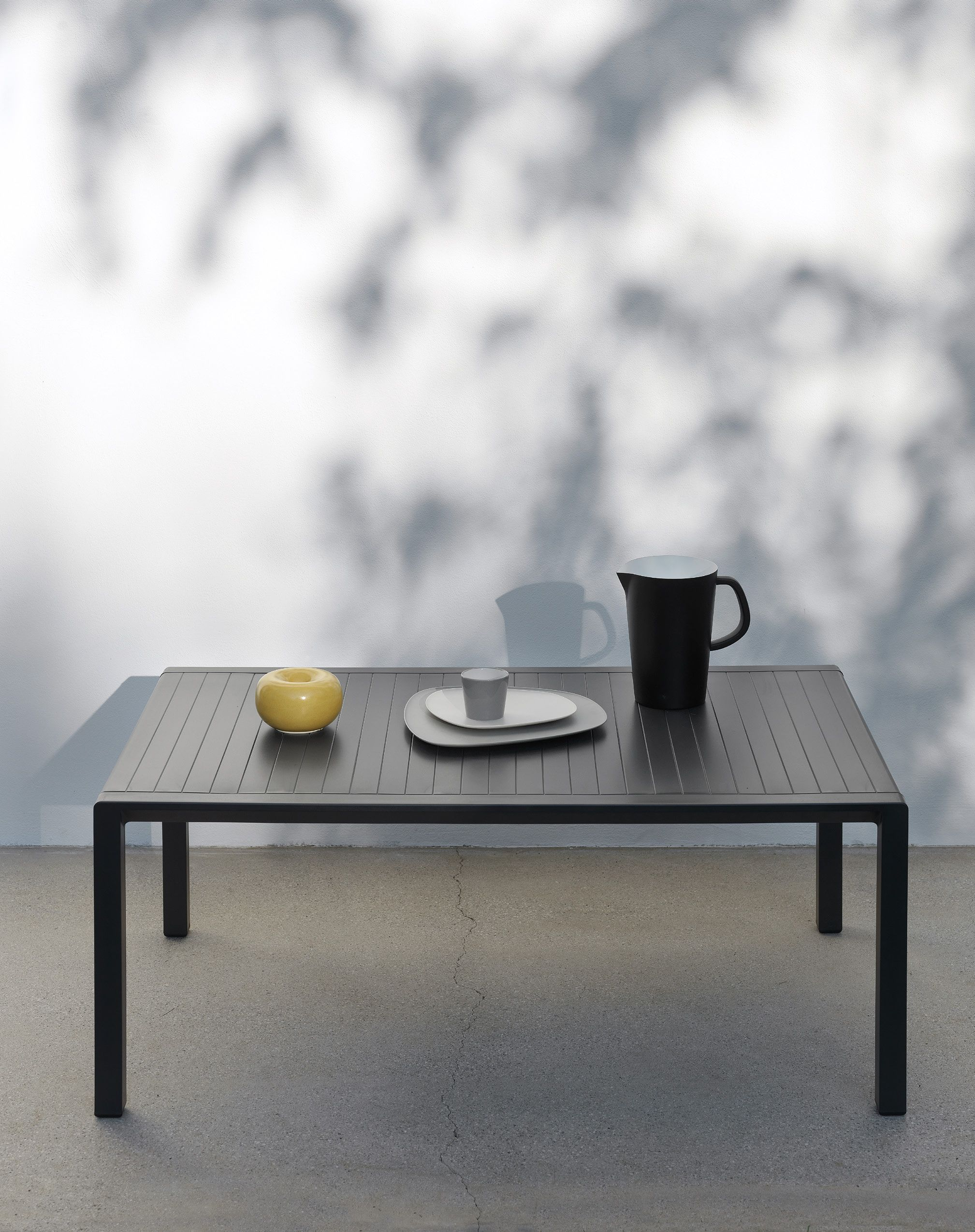 Table Polypropylène Aria Is A Side Table Perfect For The Outdoor Life It S Made With
